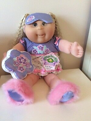 """Cabbage Patch TRU (Toys R Us) 20"""" Girl Blonde, Freckles, Original Outfit & Tags!"""