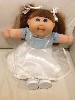 """Cabbage Patch - TRU (Toys R Us) 20"""" Girl Blue Eyes Toothy Smile Original Outfit!"""
