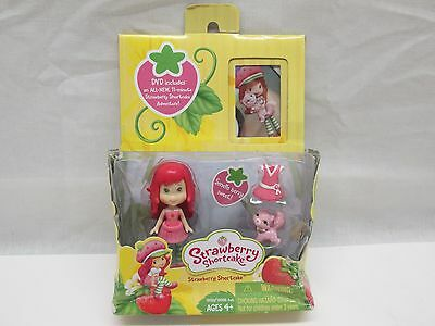 Strawberry Shortcake Figure w/ Custard And Skirt 2009 Comes with 11 Min. DVD NEW