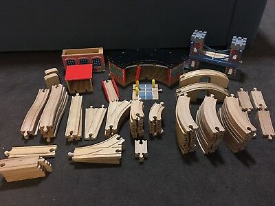 Thomas the tank engine wooden railway sets