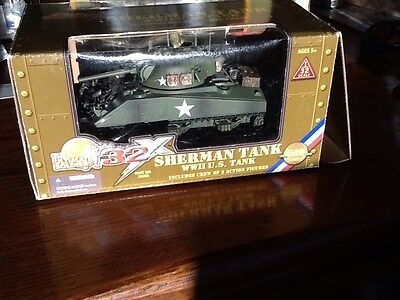 The Ultimate Soldier 32X Wwii U.s. Sherman Tank 1:32 Scale Including Two Crew