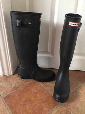Hunter black wellies size 6