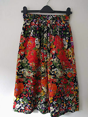 Vintage  black and floral Betty Barclay pencil skirt with pockets and belt 10