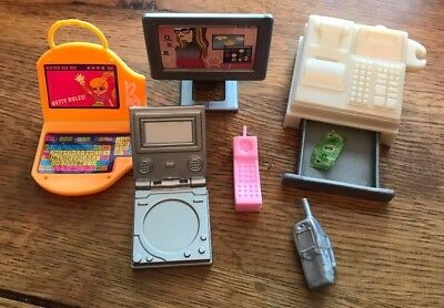 Bundle Of Technology Accessories - Sindy / Barbie / Tressy????