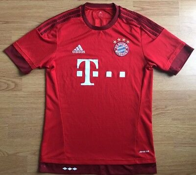 Bayern Munich 2015/16,Home,Adidas,Small Football Shirt..Great Condition....