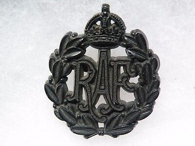 Cap badge Royal  air force WW II plastic