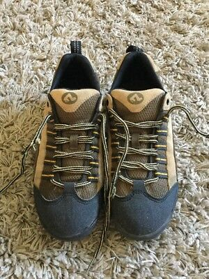 Shimano SPD's Cycling shoes Size 7.5
