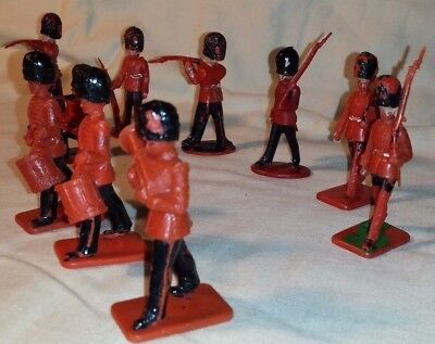 Vintage Kelloggs Bandsmen, Crescent and Lone Star Guards Figures. Qty 10