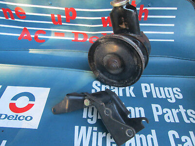 1963-68 230 250 Chevy GM 6 cylinder L6 power steering p/s pump & pulley brackets