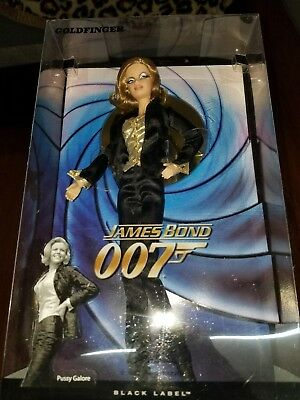 James Bond 007  from Goldfinger Mattel Nrfb Pussy Galore Barbie 2009