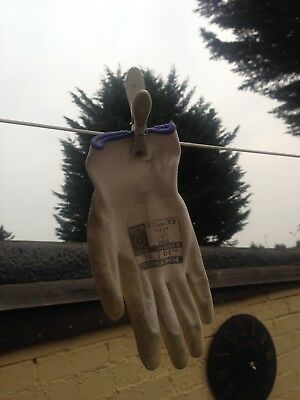 glove & peg combination rare on line find
