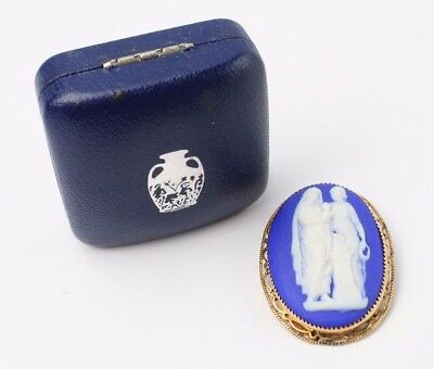 Stunning WEDGWOOD .375 9CT GOLD Trim Blue JASPERWARE Cameo Brooch, BOXED