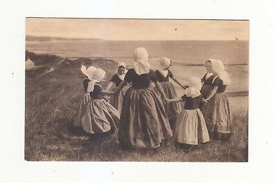 Charming Postcard Of A Group,   Girls In Dutch Costume-Dancing On The Sand Hills