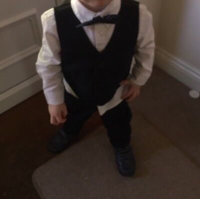 Boys Navy Suit 18-24 Months GREaT CONDITION