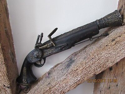 Large ornamental flintlock pistol decorative wall hanging