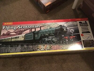 Hornby Flying Scotsman Electric Train Set Brand New In Box