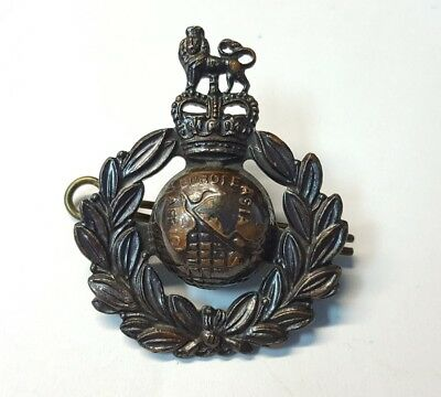 Post war British Royal Marines Capbadge Queens Crown