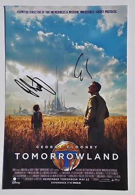 "George Clooney & Damon Lindelof Signed 12"" x 8"" Photo Disney Tomorrowland"
