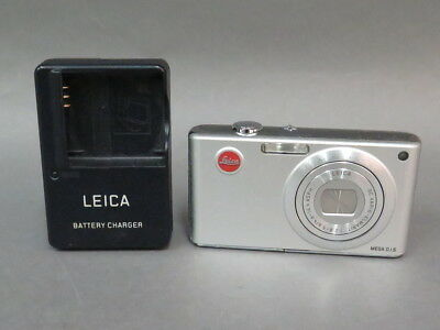 Leica C-Lux 2 7.2MP Digital Camera Germany w/Battery, Charger, SD Card - Silver
