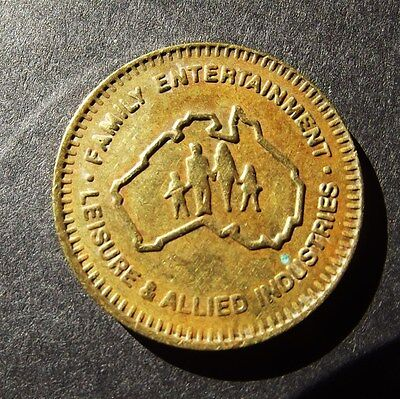 FAMILY ENTERTAINMENT LEISURE AND ALLIED INDUSTRIES  TOKEN - Arcade Games  22 mm