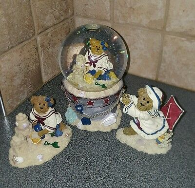 Boyds Bears Bethany Sanditoes Water Snow Globe Musical and 2 figures