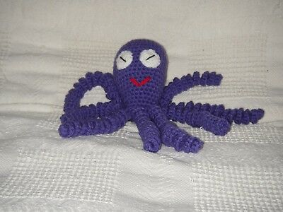 ODD LEG the crocheted toy octopus (HAND MADE)