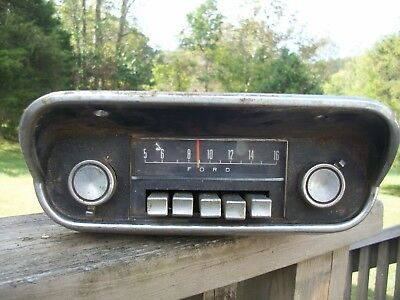 1967 Ford Mustang AM radio