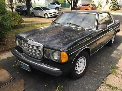 1982 Mercedes-Benz 300-Series  1982 Mercedes Benz 300cd