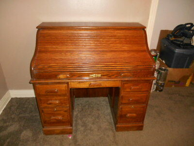 winners only roll top desk very nice