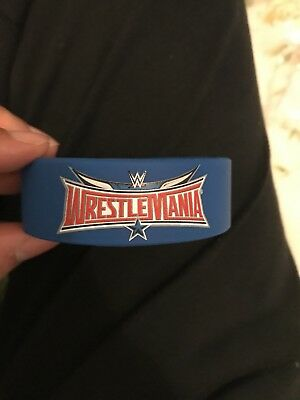 WRESTLEMANIA 32 Official Silicone Wristband Brand New