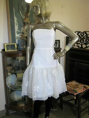 Wonderful 80S White Strapless Party Dress With 3 Layered Skirt. Sz 10.