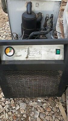 COMPRESSED AIR DRYER V 330 not working spares or repair.