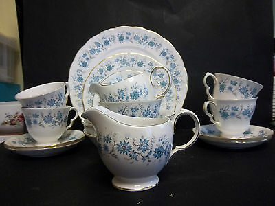 "Colclough ""braganzia"" Dinner And Teaset For 4"