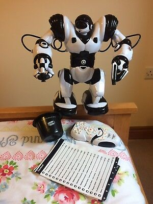 WowWee Large Robosapien Interactive robot. Perfect Christmas present.
