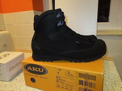 AKU Navy Seal Pilgrim Goretex Walking Boots UK Size 9