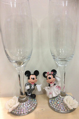 Bride and Groom  Glasses champagne flutes Minnie and Mickey wedding gift