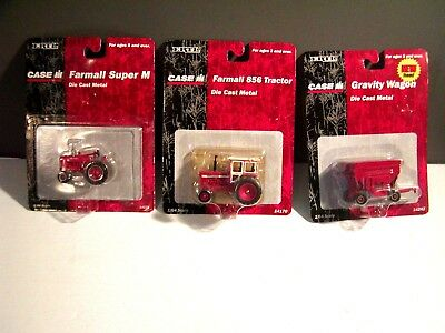 "1/64 Ertl Farmall Super ""M"" with NFE Farm Toy Tractor And gravity wagon  Diecast"