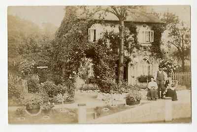 Thames Postcard: Cleeve Lock house, with keeper & family, Goring, Oxfordshire.RP