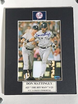 Don Mattingly Autographed 5x7 Photo In A 8x10 Matt .........Certified