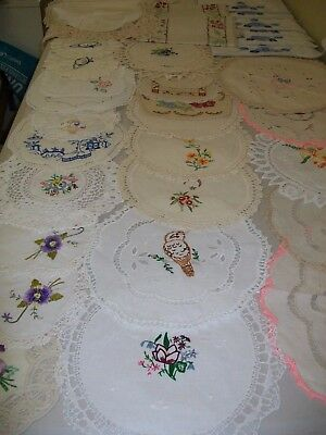 Bulk, mainly vintage doilies, t,cloths, runners and more. Nice lot.