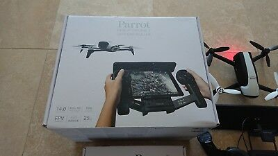 PARROT BEBOP 2 & SKY CONTROLLER DRONE EXCELLENT CONDITION as new in Box.