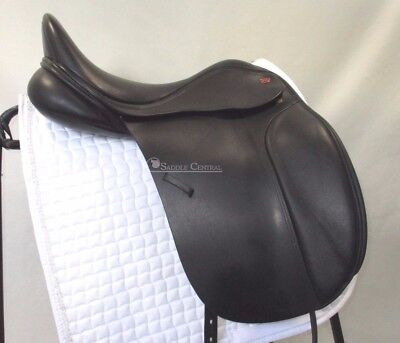 """Kent & Masters """"S"""" series High Wither 18"""" Dressage Saddle"""