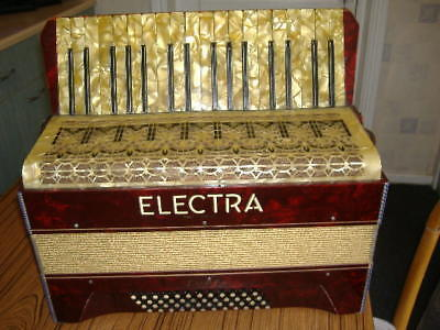 Super Electra Accordian, Very Nice Condition, Pearl Keys,good Working Order