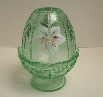 Stunning Fenton Willow Green Beaded Fairy Lamp, Hand Painted, Lovely Condition