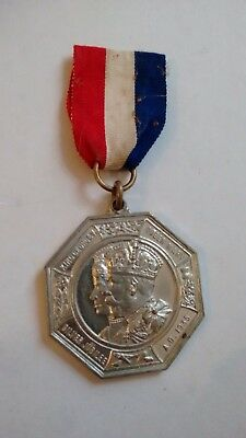 King George V Queen Mary Silver Jubilee 1935 presented by County of Middlesex