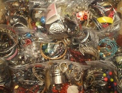 Job Lot 1kg MIXED COSTUME JEWELLERY - MOSTLY MODERN