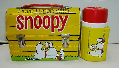 Vintage Peanuts Snoopy Metal Dome Lunchbox & Doghouse Thermos Near Mint