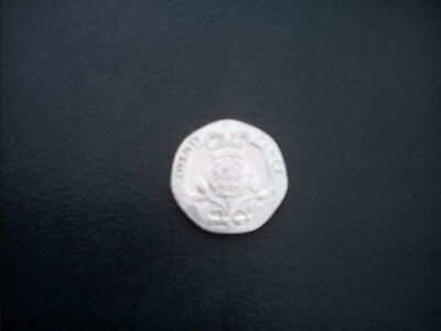 20p pence coin ,no date on either side, 80s , original version.rare.