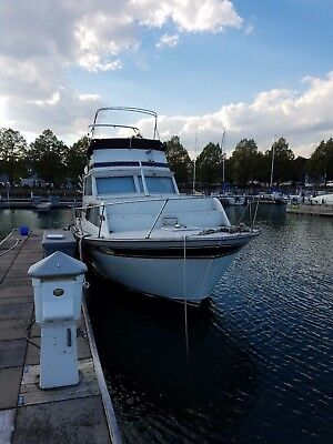 1976 Marinette 32' Cruiser Boat