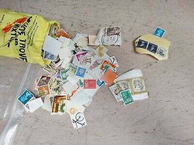 Treasure Trove Of World Stamps World-Wide Mixture Including US - used